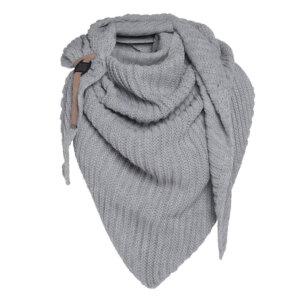 knitfactory grau dreiecksschal herbst winter